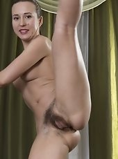 Lita is a slender Russian all-natural who does exercises 24/7. Showing off her perfect body. she reveals her hairy pits and hairy pussy while being fi